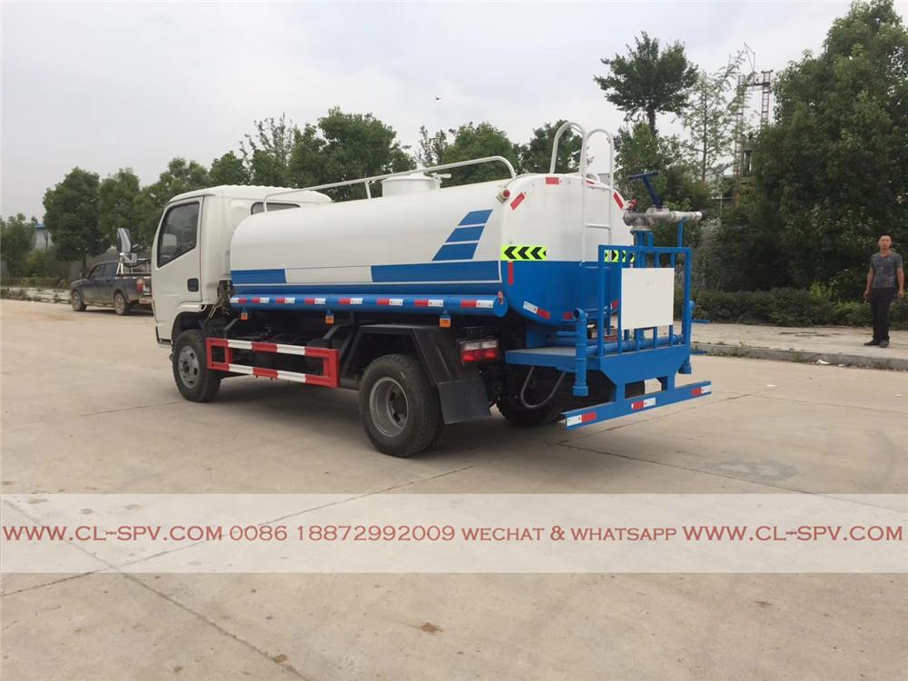 pistolet à eau sur dongfeng 5000 litres camion d'eau