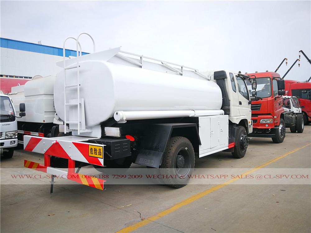 4wd 6000 liters fuel tanker truck
