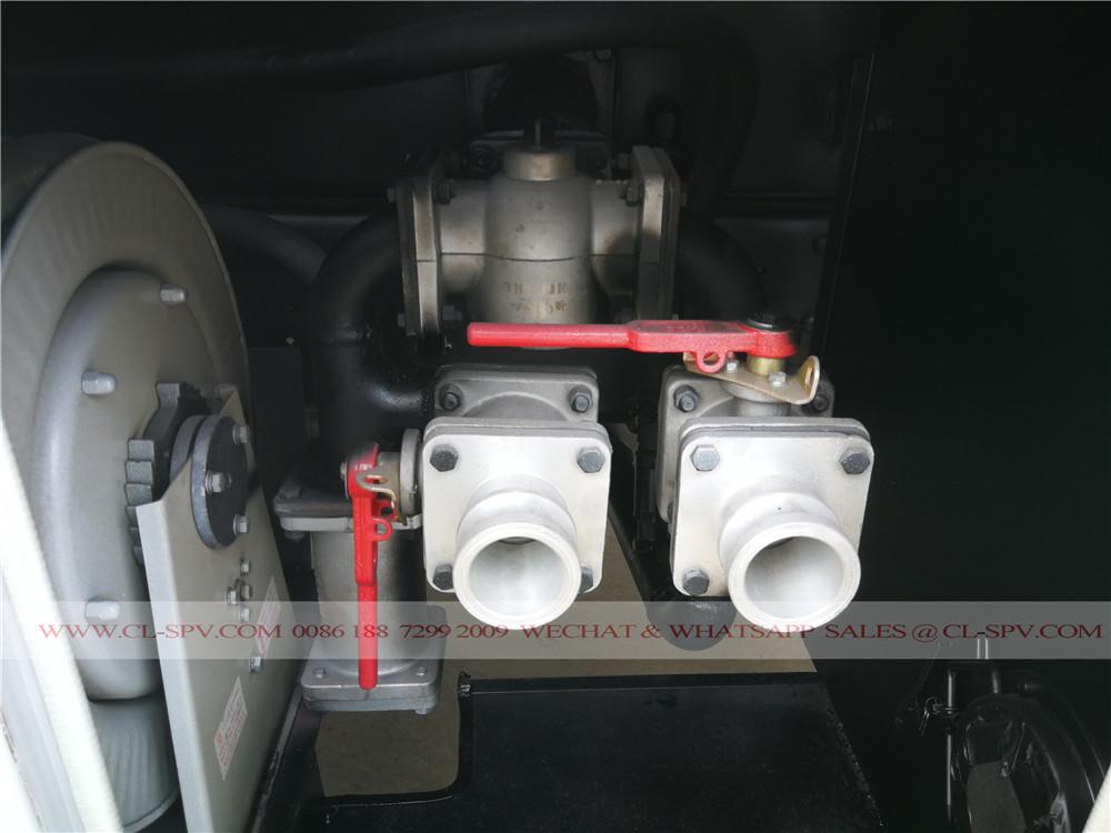 впускной трубопровод и выпускной клапан