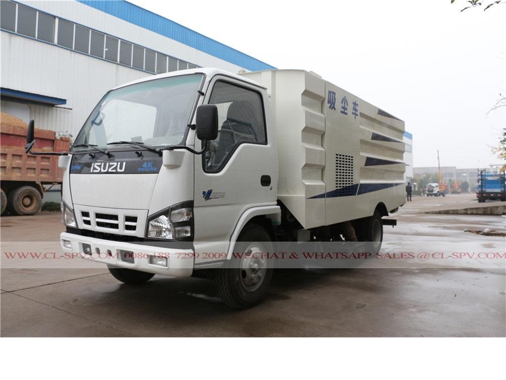 Isuzu 6000 liters dust suction truck
