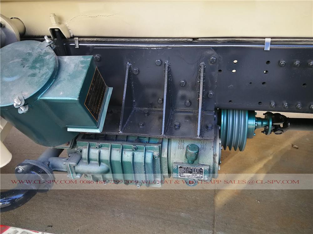 compresor de aire en el camión de cemento a granel