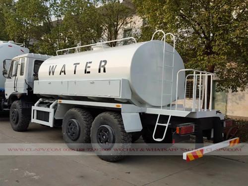 Dongfeng camión cisterna militar AWD