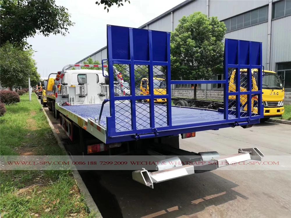 isuzu 600P wrecker truck
