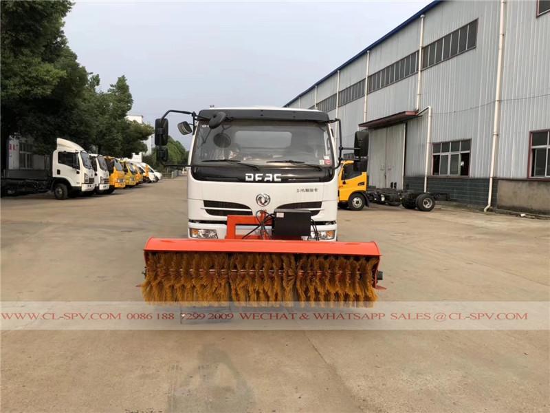 Dongfeng camión de agua con la escoba 2,5 millones de nieve