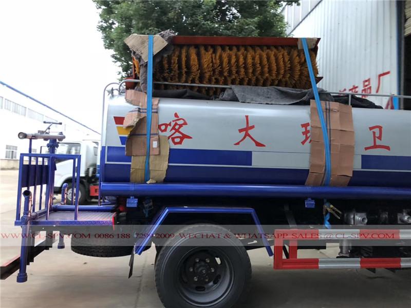 Dongfeng camión de agua con un cepillo para nieve