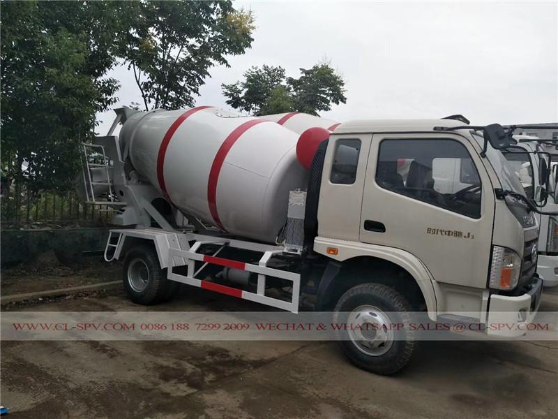 福田 3 吨的混凝土搅拌车