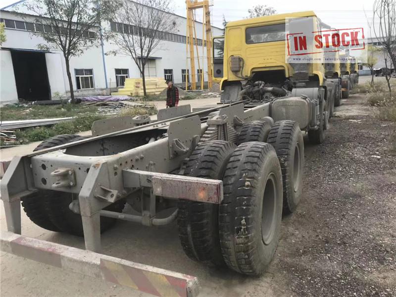 Howo camion benne 6x4 en stock
