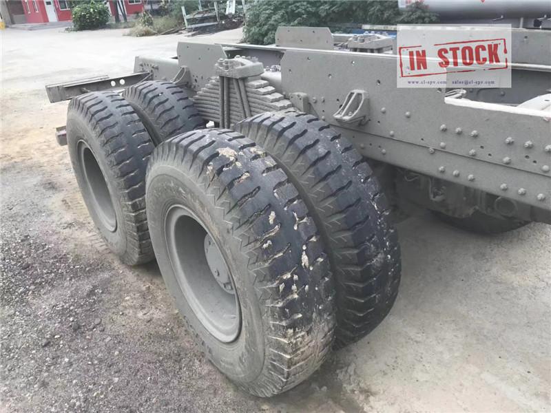 Howo grue camion 6x4 en stock