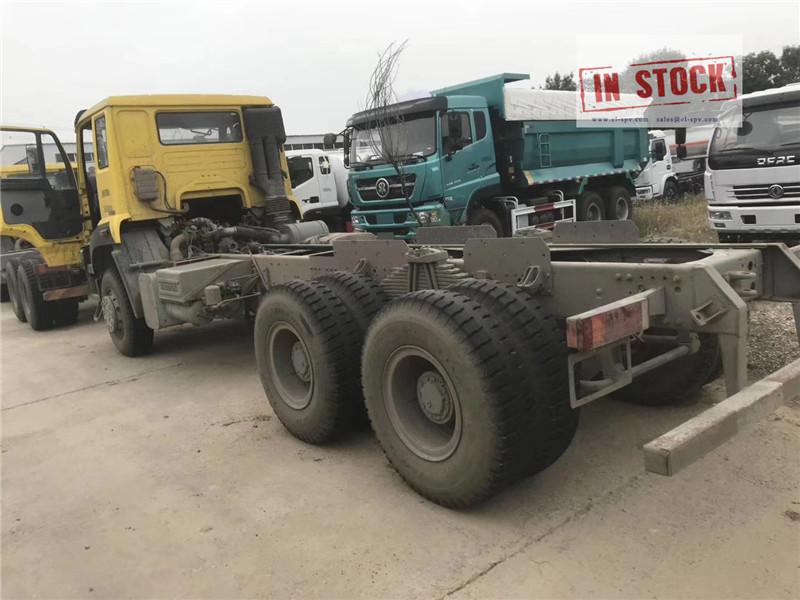 Howo camion poubelle 6x4 en stock