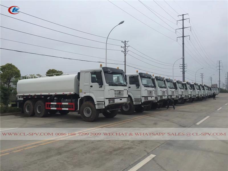 6x6 HOWO camión de agua AWD
