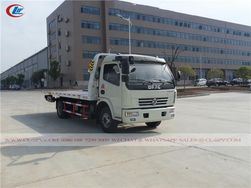 Dongfeng wrecker tow truck