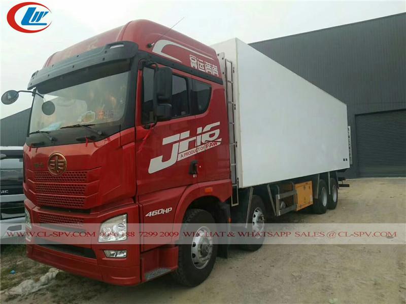 FAW camion 8x4 réfrigérateur