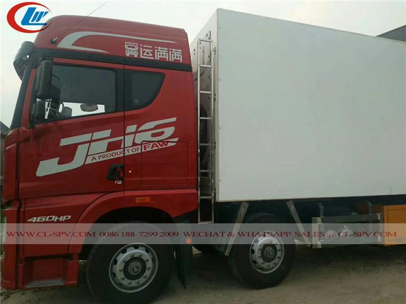 FAW 8X4 مبردة شاحنة