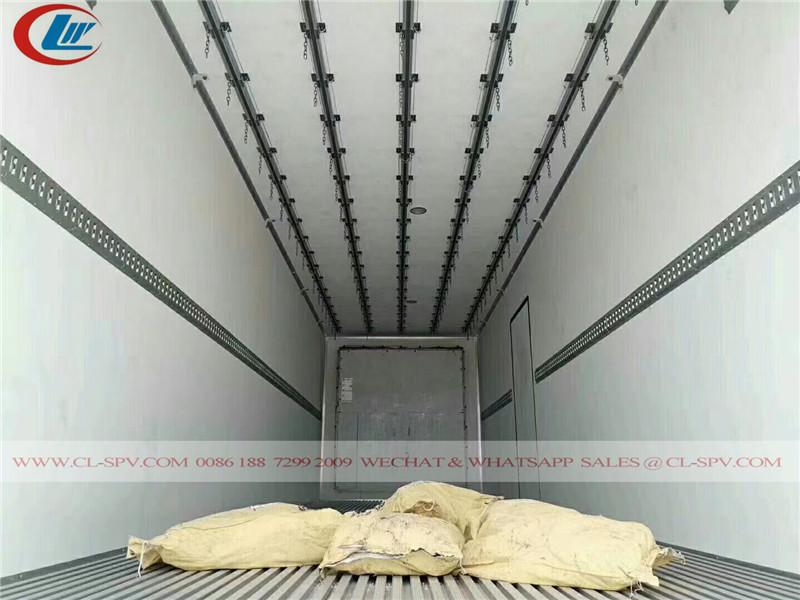 FAW 8x4 Kühlwagen für Fleisch