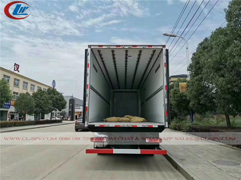 FAW camión refrigerador 8x4 para alimentos frescos