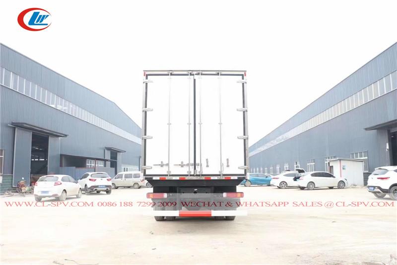 Foton Auman EST 8x4 12 rodas refrigerado caminhão