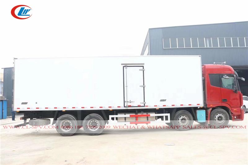 Foton Auman 8x4 refrigerado caminhão