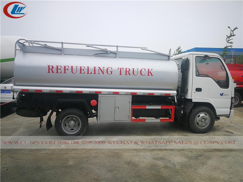 Camion de ravitaillement en carburant Isuzu 600P