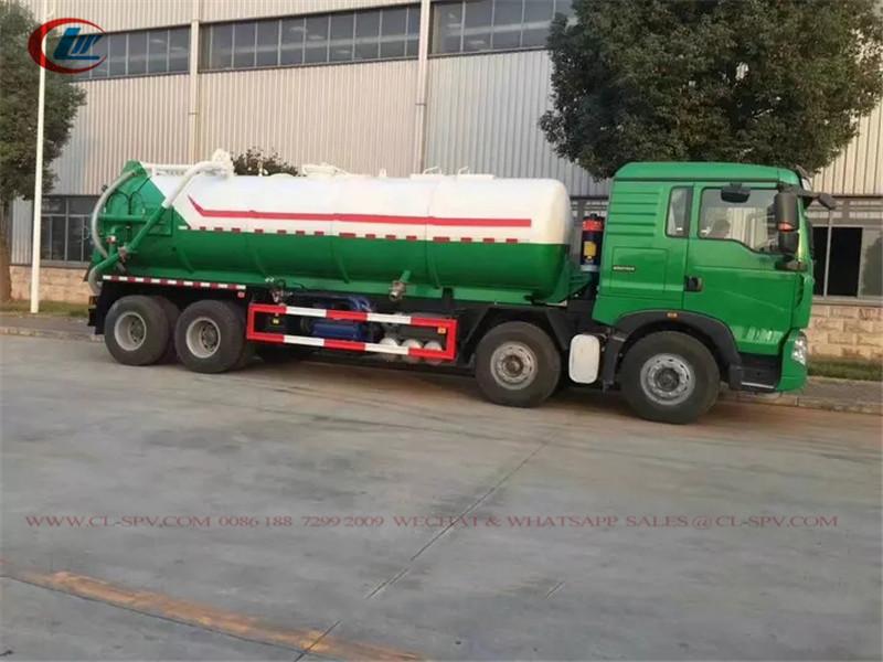 Camion d'aspiration d'eaux usées sous vide HOWO 8X4 20cbm