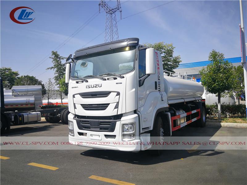 Isuzu GIGA 10000 camion di trasporto acqua potabile litri