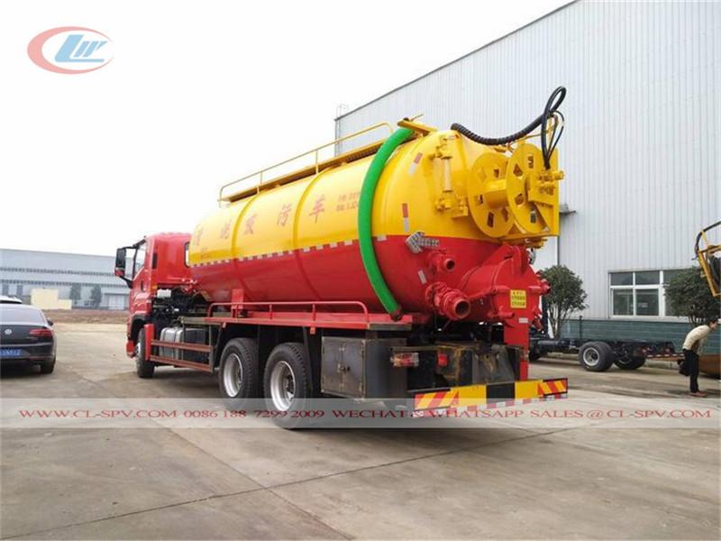 Isuzu giga vacuum sewage truck