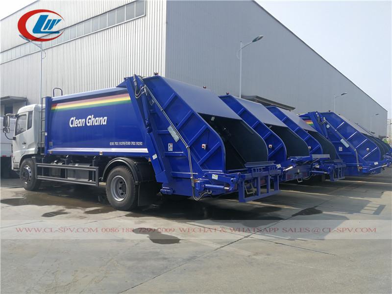 Livraison par lots de camions d'égout compacteurs Dongfeng, camions poubelles