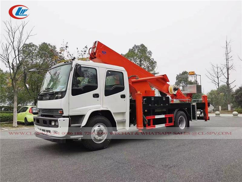 Isuzu aerial bucket truck