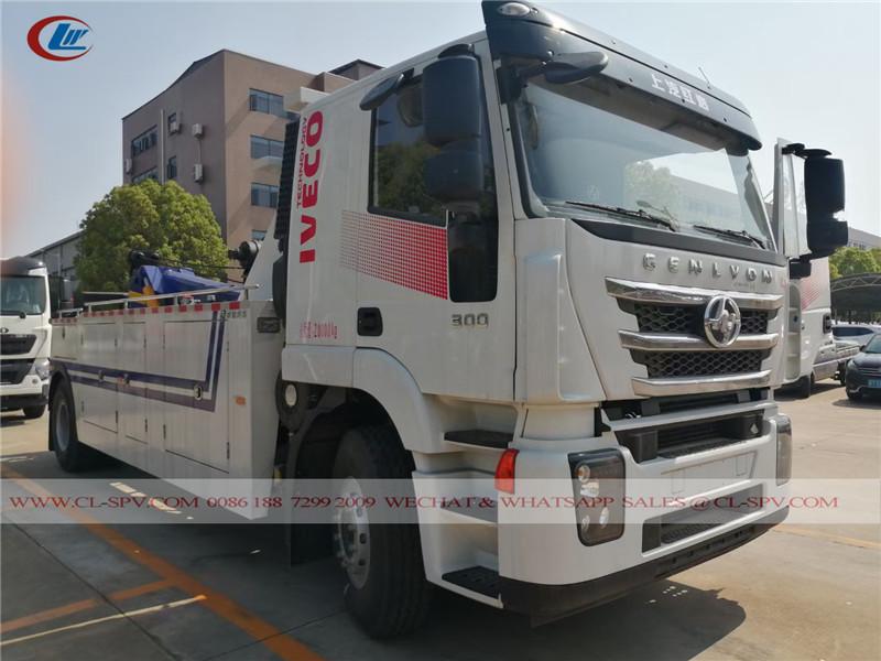 Camión grúa IVECO 20T