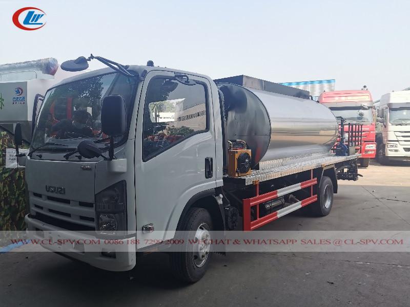 Isuzu 100P Camion distributore di asfalto