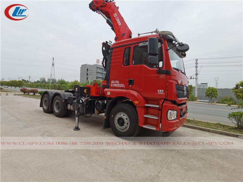 Shacman tractor mounted xcmg crane