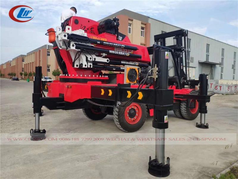 Chariot élévateur avec 50 tonnes grue
