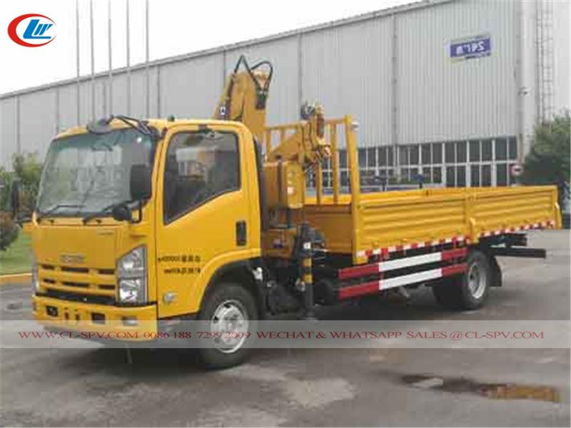 Isuzu 700P truck with knuckle crane - XCMG 5 tons