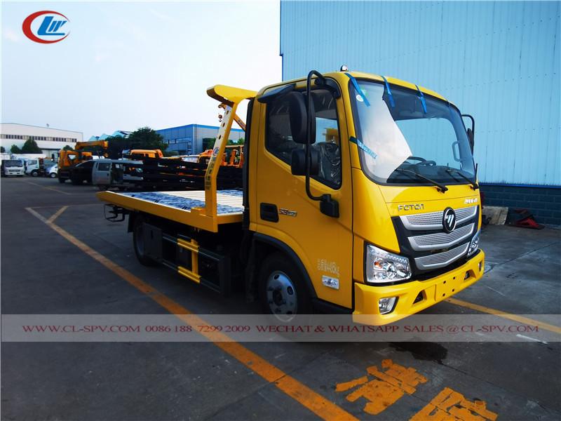 Aumark wrecker truck