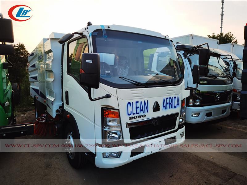 HOWO 5000 liters road sweeper