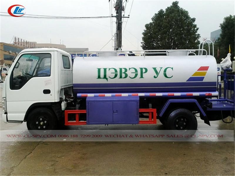 Caminhão cisterna isuzu
