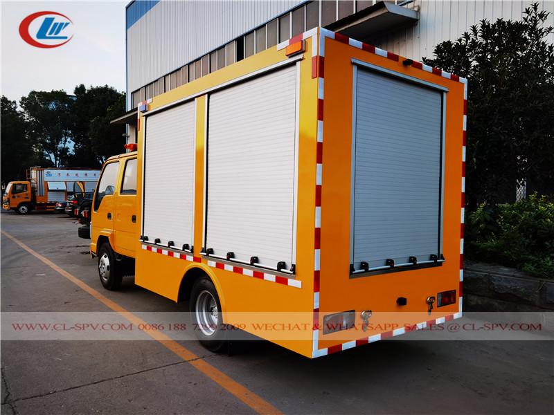 Isuzu 100P emergency rescue truck