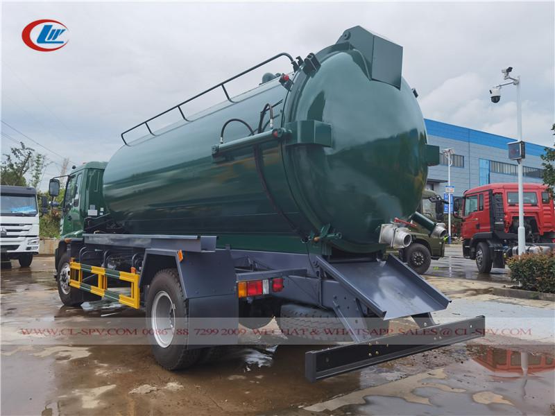 Isuzu vacuum sewage suction truck