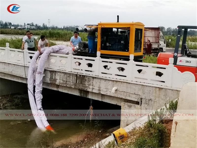essai de la remorque de sauvetage et de drainage des inondations