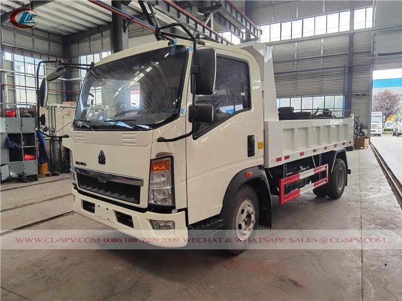 Sinotruk Howo 4-5 cbm small dump truck