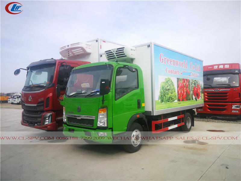 Howo closed cool van truck