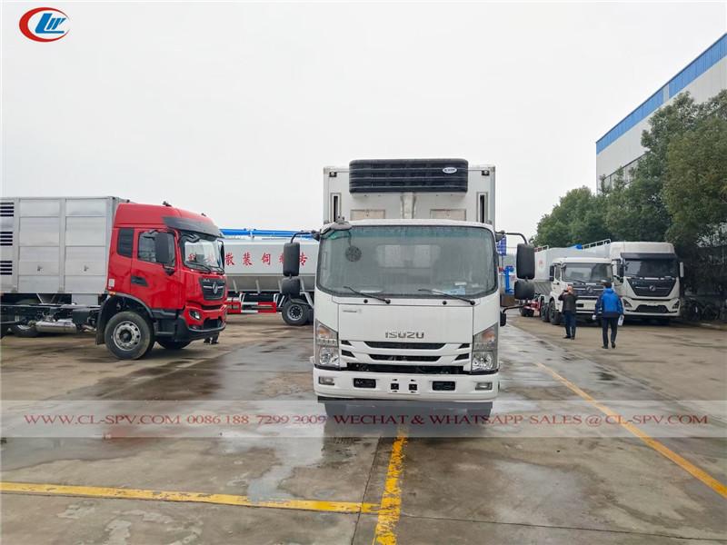 Детский грузовик для перевозки цыплят Isuzu 700P