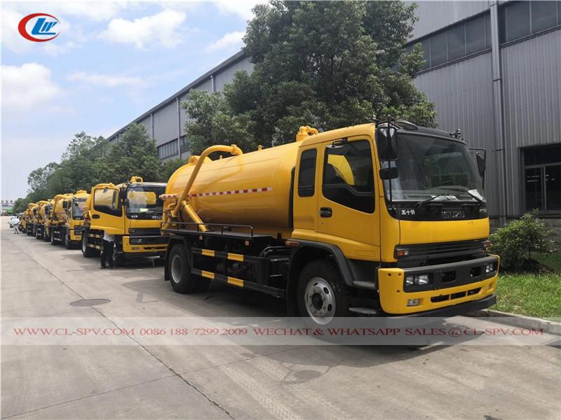 Isuzu vacuum sewage truck