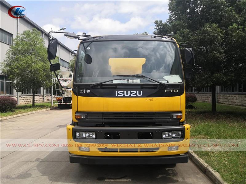 Isuzu FTR sewage truck