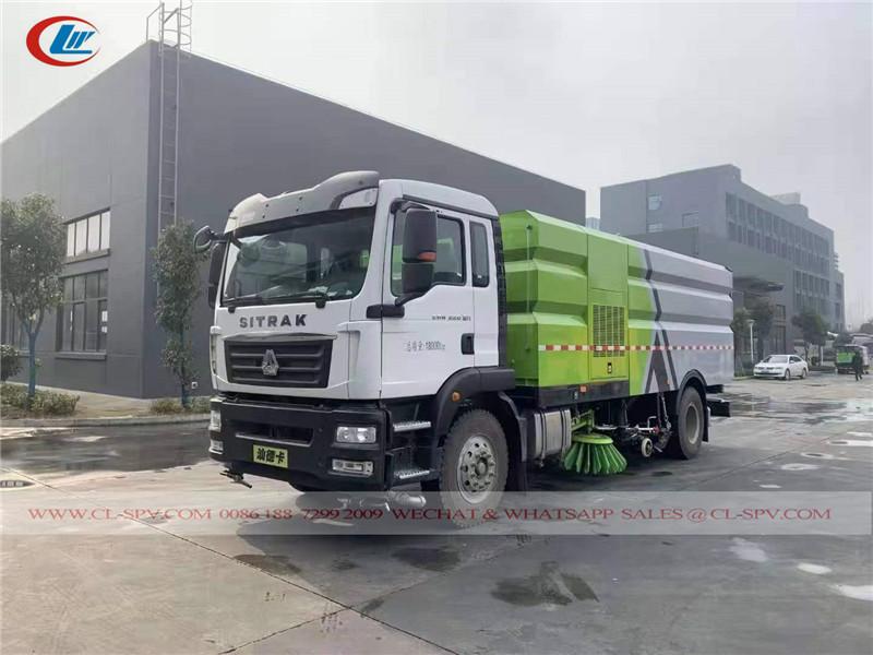 Sinotruk road sweeper truck