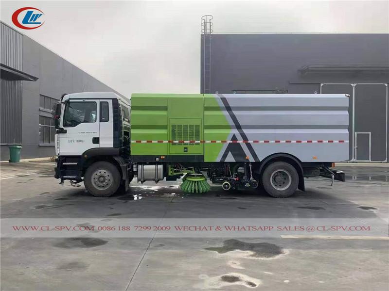 6 wheels road sweeper truck