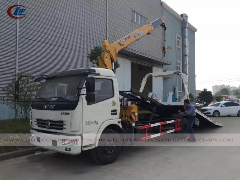 東風 4 クレーン付きレッカー車